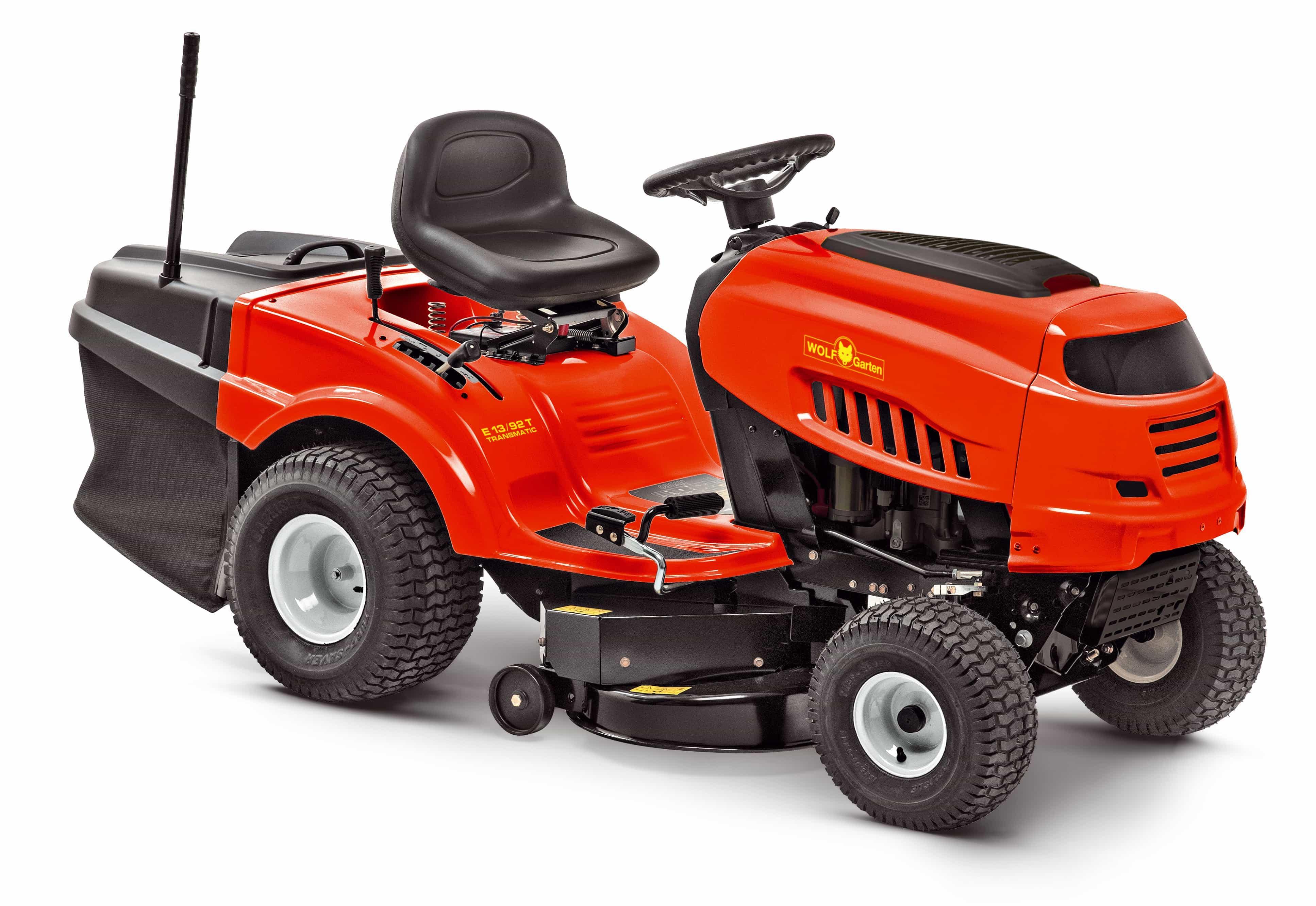 Trávny traktor so zadným vyhadzovaním EXPERT E 13/92 T